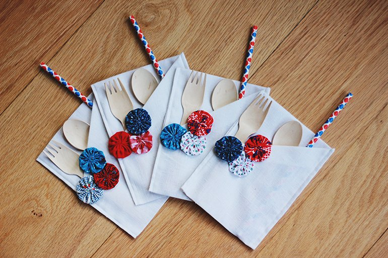 DIY 4th of July Yoyo Silverware Holder | The Merrythought