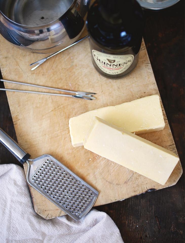Irish Beer Cheese Fondue @themerrythought
