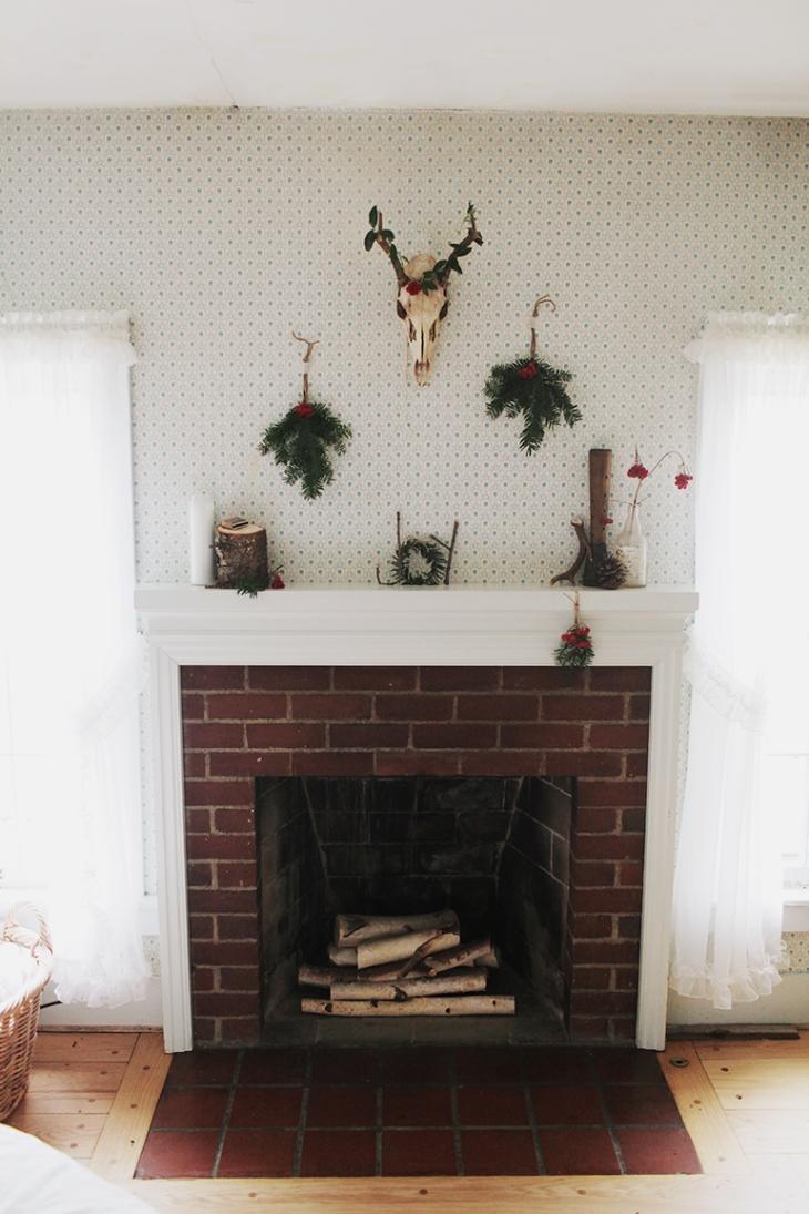 Christmas Mantel @themerrythought