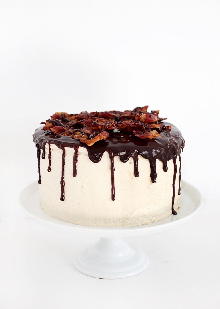 Maple Bacon Chocolate Cake @themerrythought