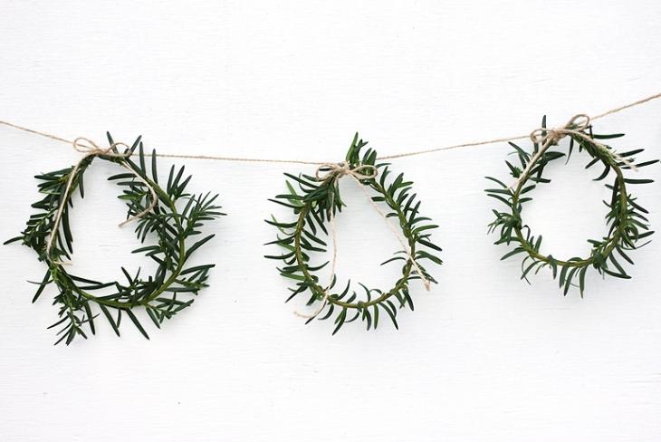 Mini Wreath Garland - @themerrythought