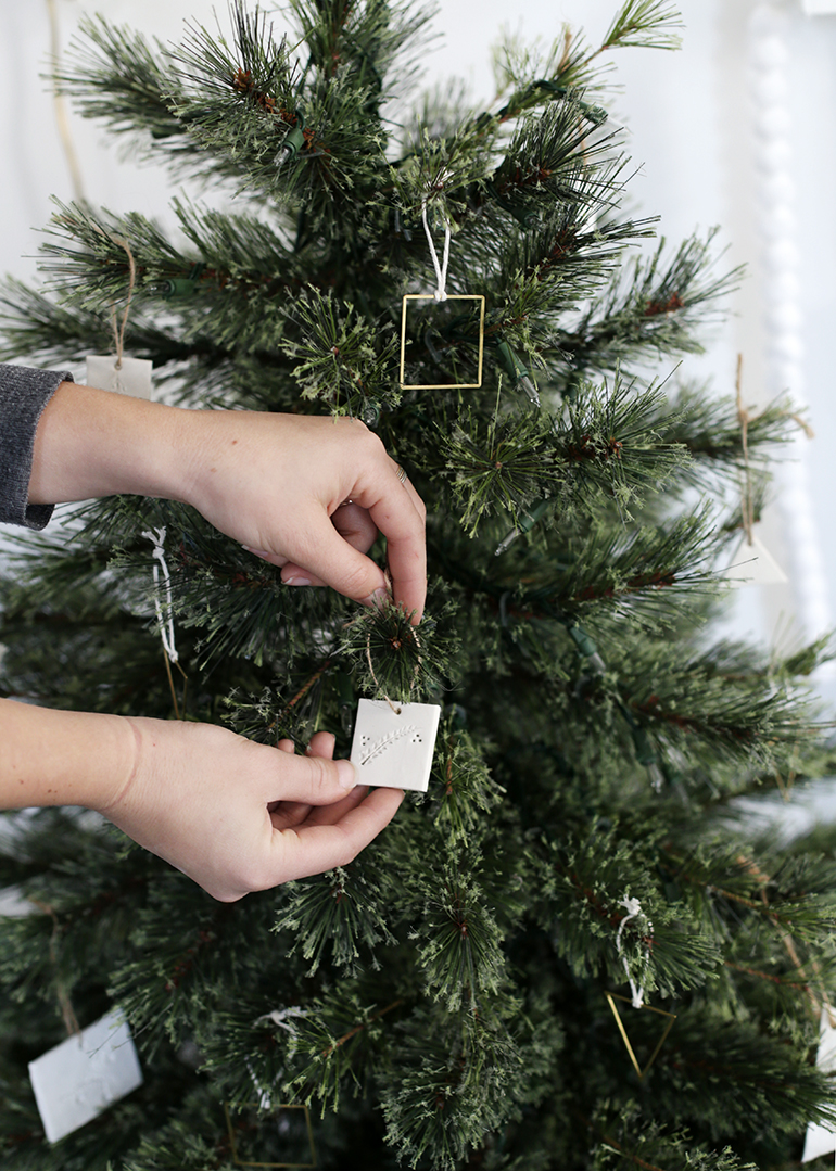 DIY Christmas Ornaments @themerrythought