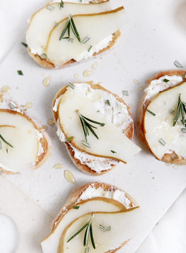 Whipped Feta, Pear & Rosemary Crostini @themerrythought