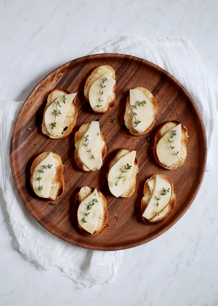 Pear and Thyme Crostini @themerrythought