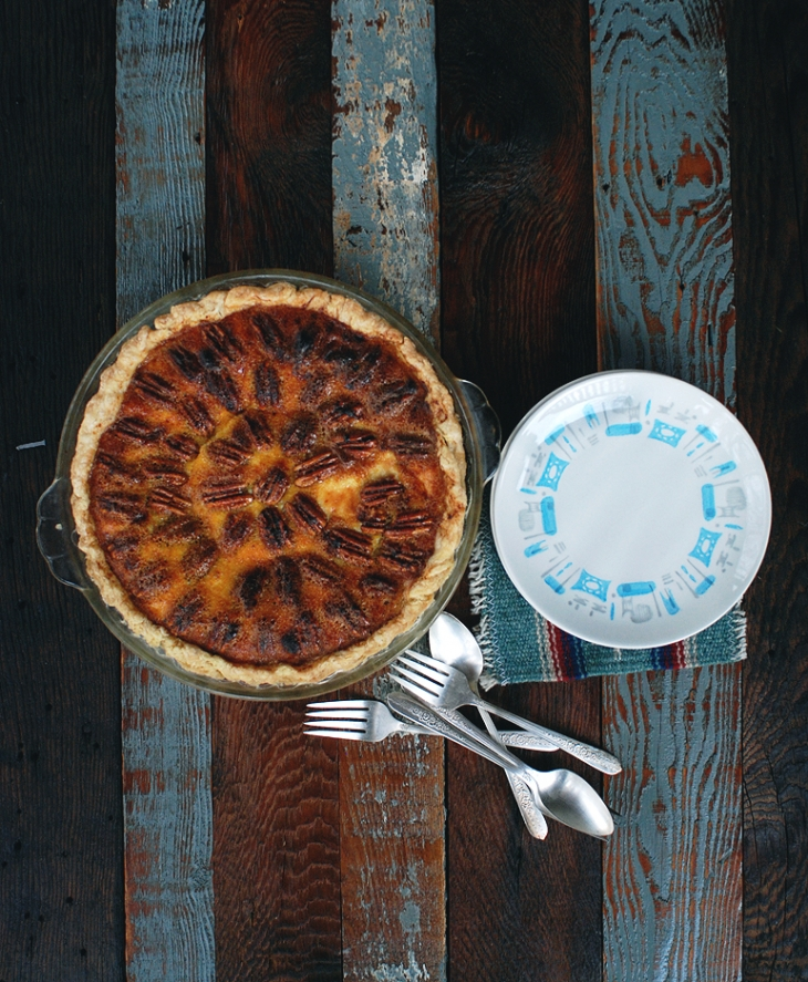 Pecan Cheesecake Pie @themerrythought