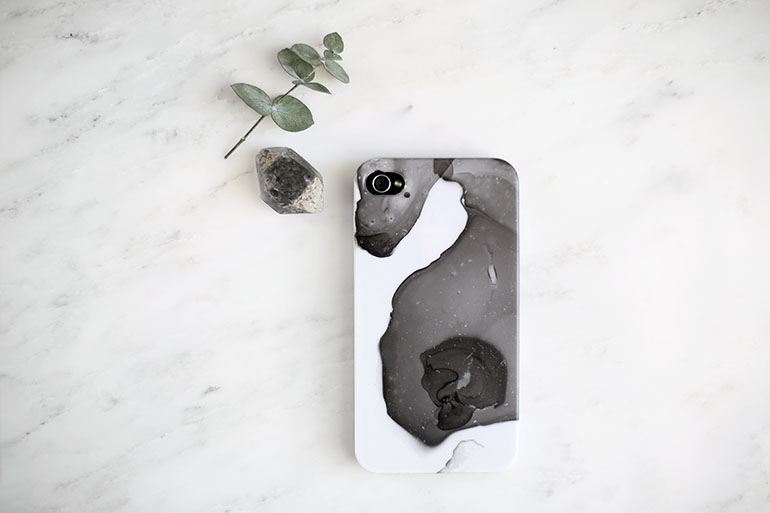 DIY Marbled Phone Case @themerrythought