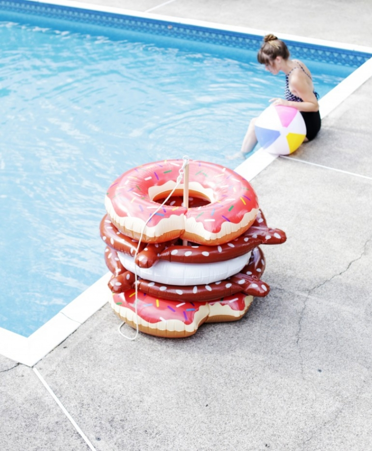 DIY Pool Float Holder @themerrythought #michaelsmakers