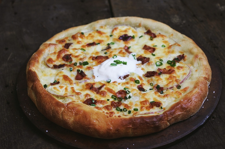 Baked Potato Pizza @themerrythought