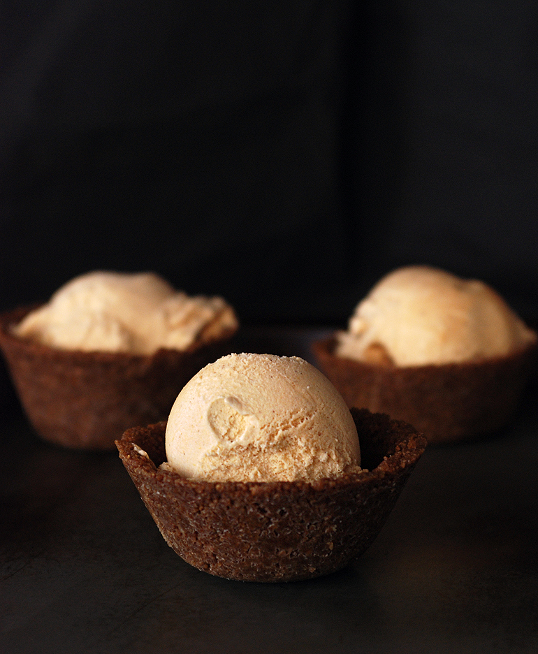 Pumpkin Ice Cream with Gingersnap Bowl - The Merrythought