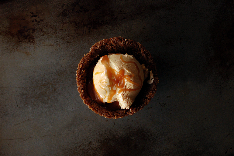 Pumpkin Ice Cream with Salted Caramel + Gingersnap Bowl - The Merrythought