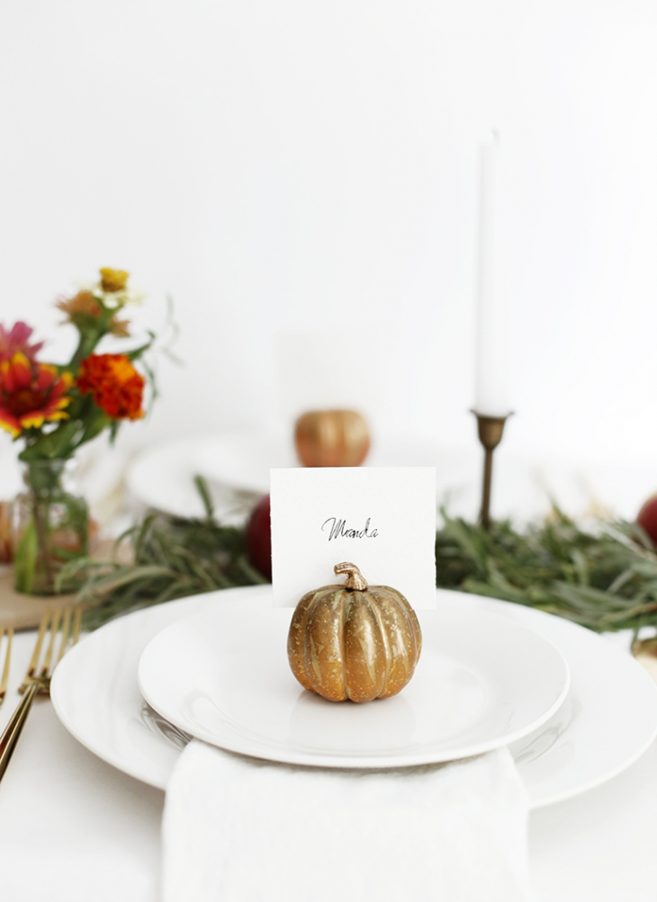 DIY Pumpkin Place Card Holders @themerrythought