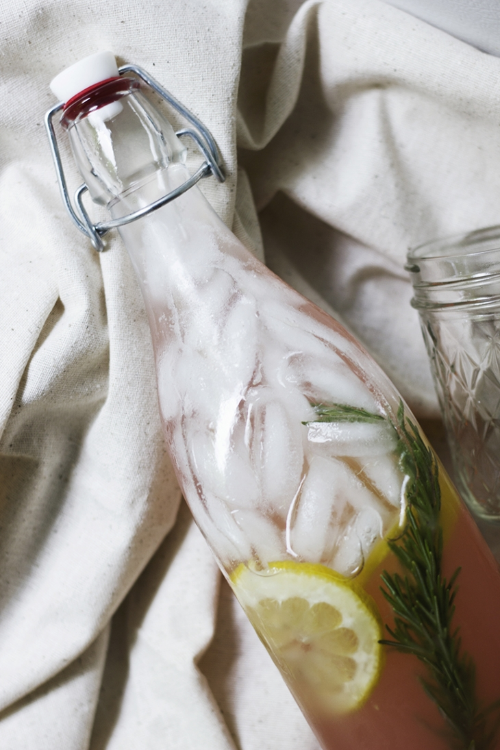 Rosemary Rhubarb Lemonade @themerrythought