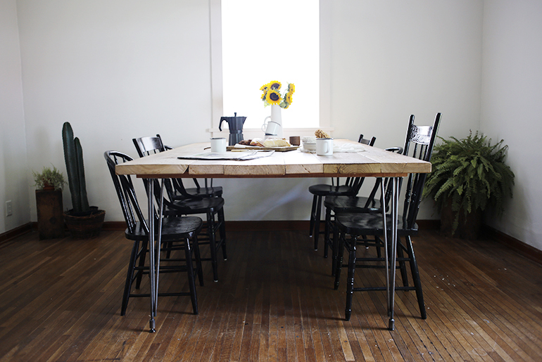 Diy Reclaimed Wood Table The Merrythought Pallet Dining Table DIY Reclaimed W