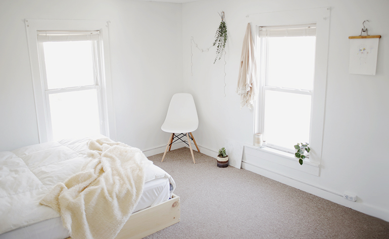 minimal bedroom the merrythought 13334 | room1