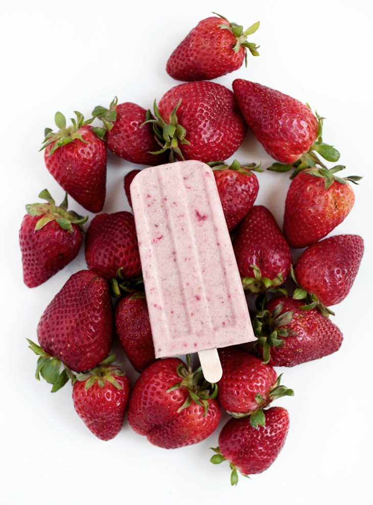 Strawberry Banana Popsicles @themerrythought