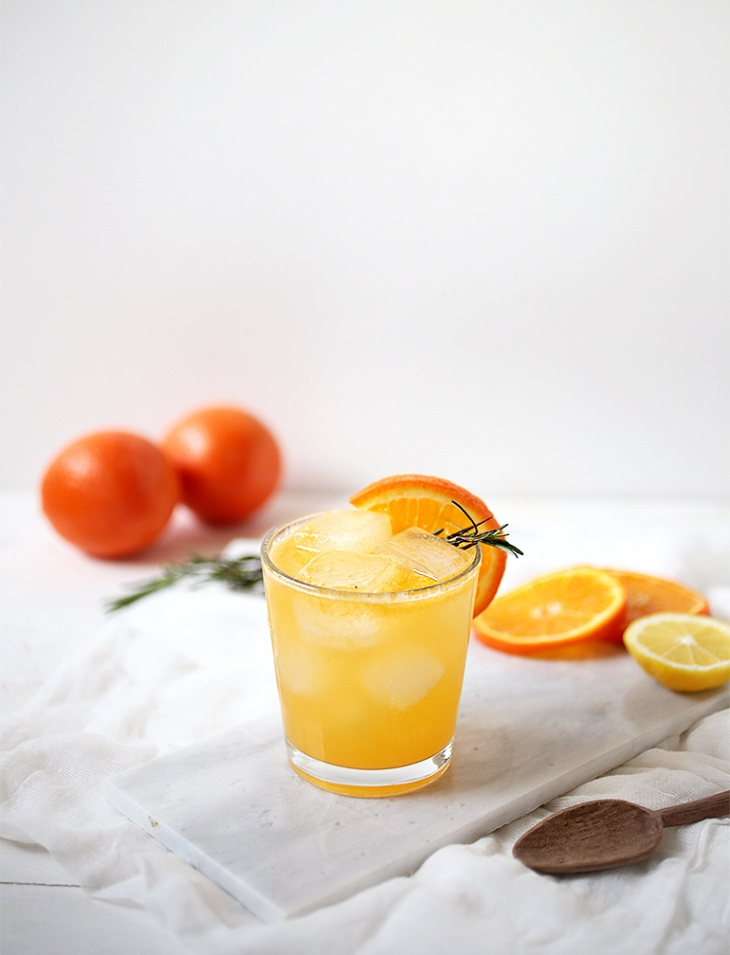 Tangerine Rosemary Mocktail @themerrythought