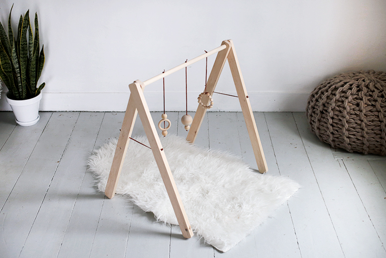 Diy wooden baby gym the merrythought solutioingenieria Image collections