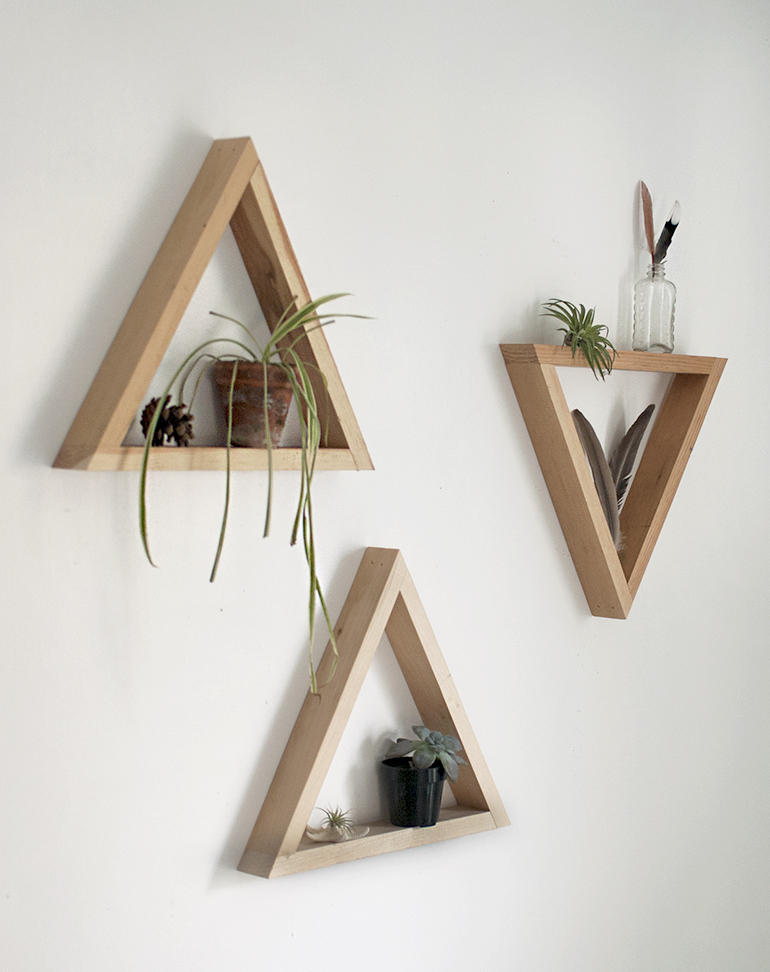 Diy wooden triangle shelves the merrythought for Simple house design made of wood