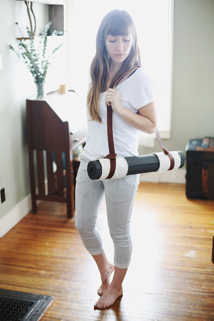 DIY Leather Yoga Mat Strap @themerrythought