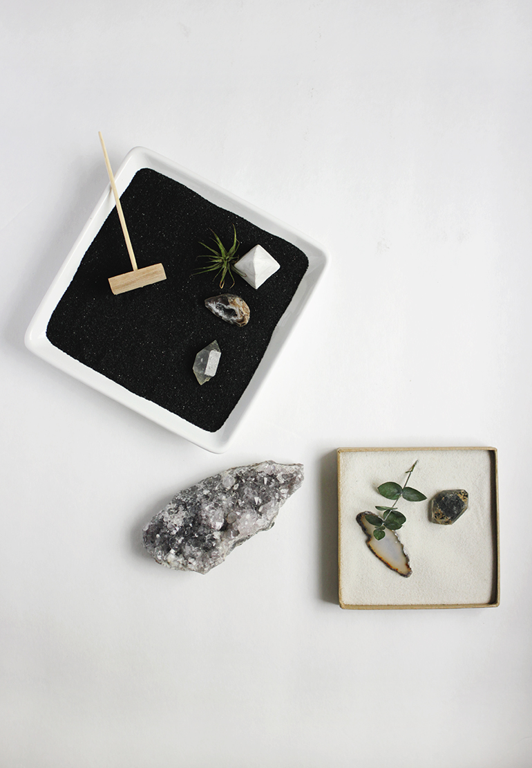 Diy mini zen garden the merrythought for Jardin zen miniature