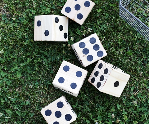 DIY Lawn Dice @themerrythought