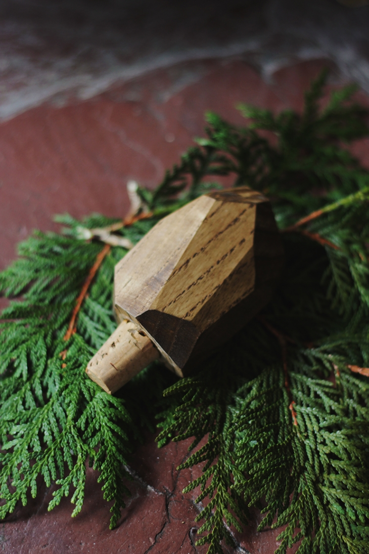 DIY Geometric Wooden Wine Stopper @themerrythought